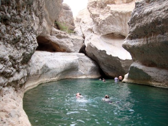 ...to reach a hidden stunning natural cave! (my best outdoor experience in Oman)