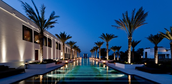 The long pool of the Chedi Muscat
